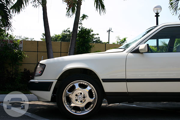 Mercedez Benz 300 E Sedan / Cavite City, Cavite   / Hourly ₱0.00