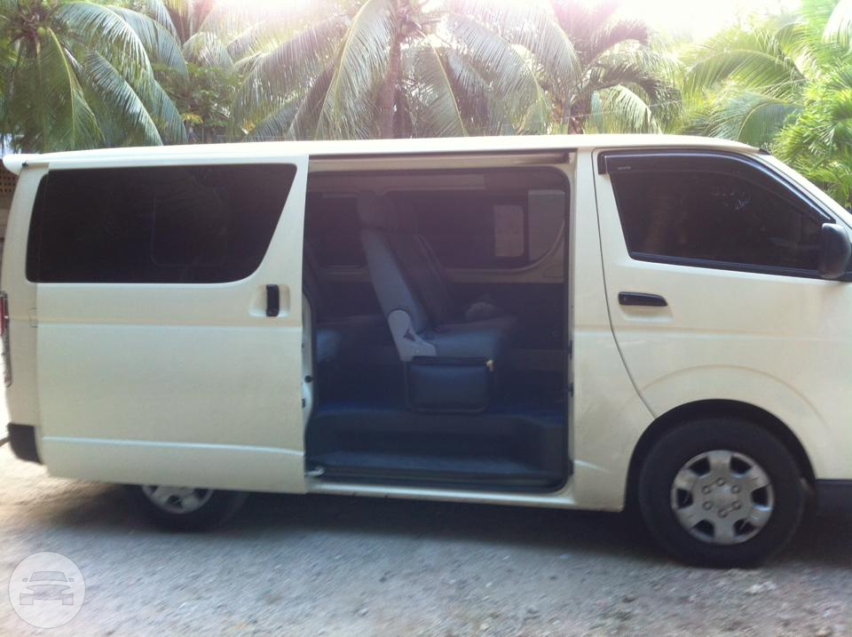 Toyota Van  Van  / Davao City, Davao del Sur   / Hourly ₱0.00