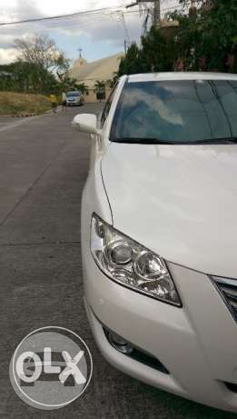 Toyota Camry 3.5Q Pearl White Sedan / Quezon City, Metro Manila   / Daily ₱6,000.00