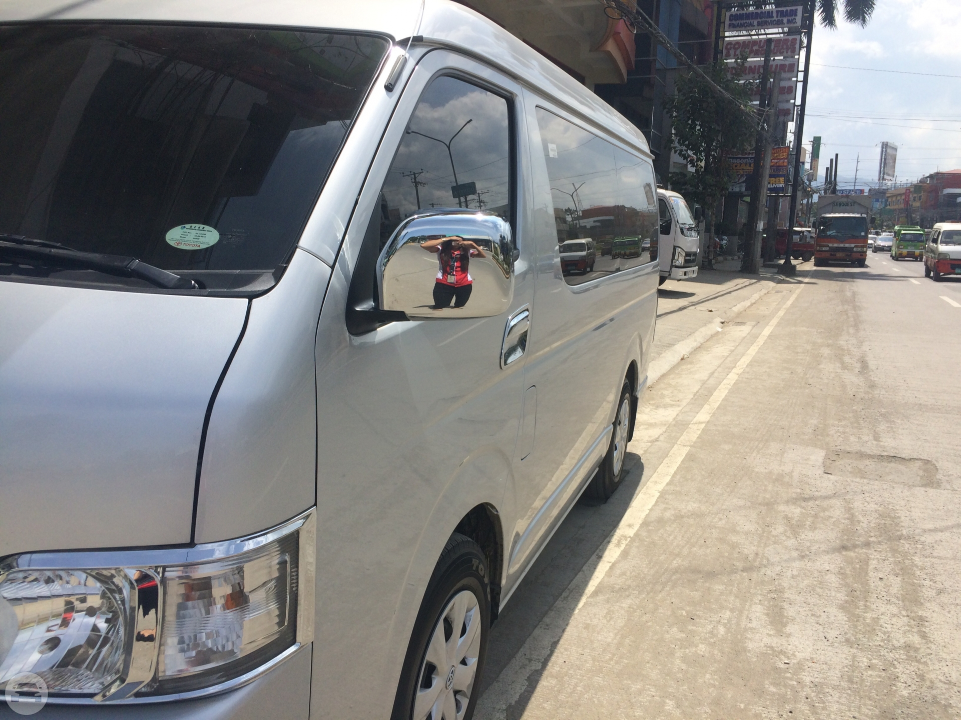 toyota Grandia Van / Mandaue City, Cebu   / Hourly ₱0.00