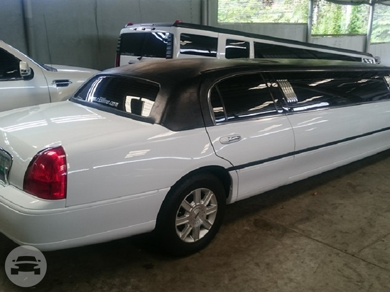 LINCOLN TOWN CAR STRETCHED LIMOUSINE Limo  / Manila, Metro Manila   / Hourly ₱8,000.00